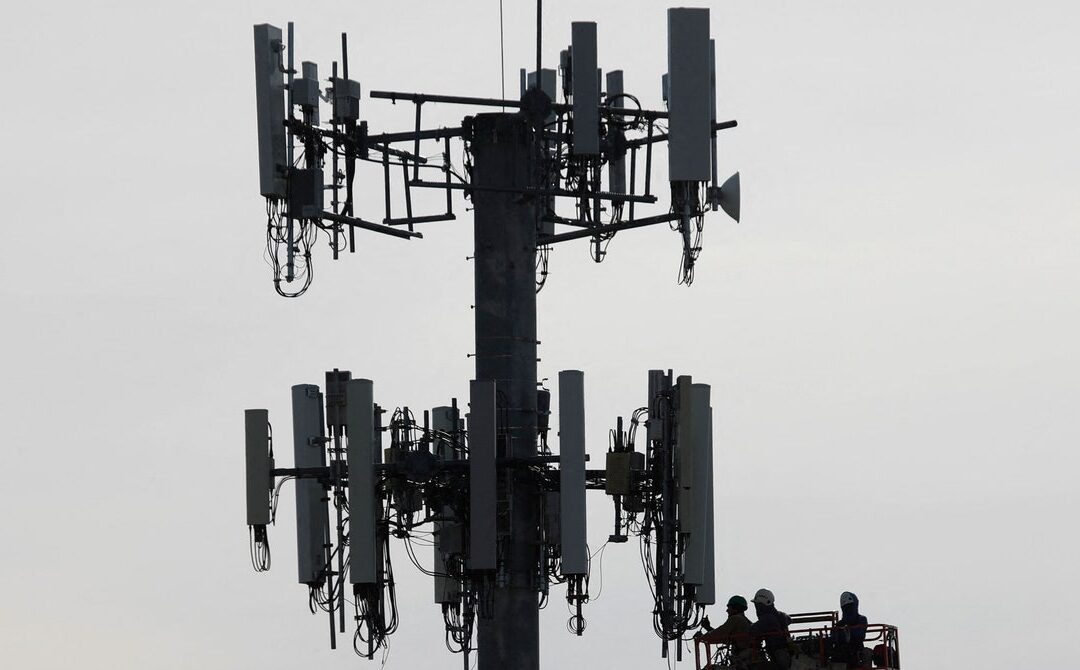 A 5G Shortcut Leaves Phones Exposed to Stingray Surveillance